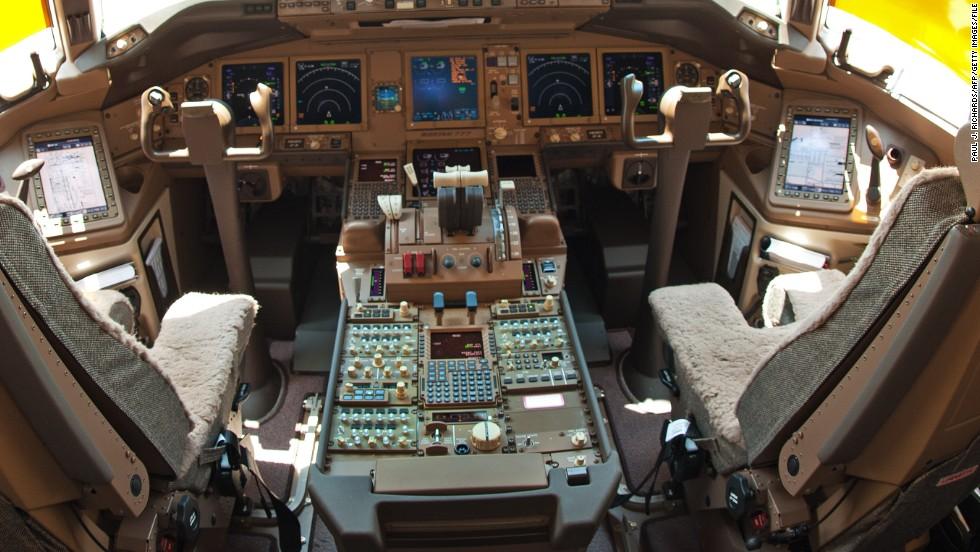 Imagen de archivo de la cabina de un Boeing 777F.