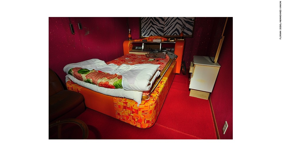 """The Furuichi Love Hotel in Hyogo Prefecture was once an hourly refuge for Japanese couples from all walks of life. Seidel has visited several abandoned Japanese love hotels, which are featured <a href=""""http://abandonedkansai.com/category/love-hotel/"""" target=""""_blank"""">on his site</a>."""