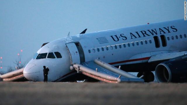 Plane blows tire at Philadelphia Airport