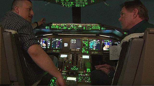 nr savidge flight 370 recreation cockpit simulator_00010430.jpg