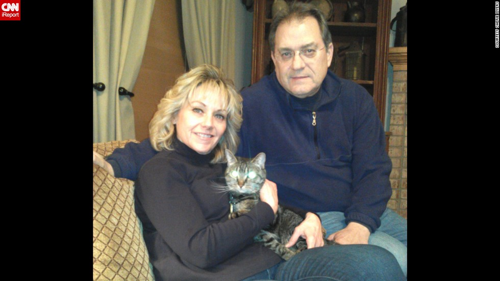 "Cherie Myers realized her cat allergy was manageable when she first started dating her husband Allan, who adored his cat, Katie. Before she started getting allergy shots, it was very difficult for her to be in the same house with a cat for any length of time. ""Now I live in a house with a cat. It is amazing to me that I have no symptoms."""
