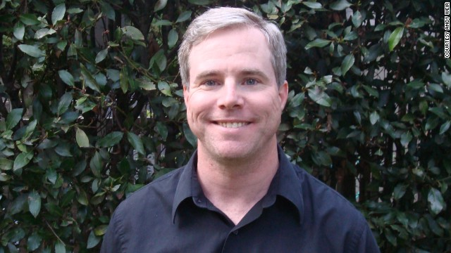Andy Weir posted his sci-fi book on the Web, a chapter at a time.