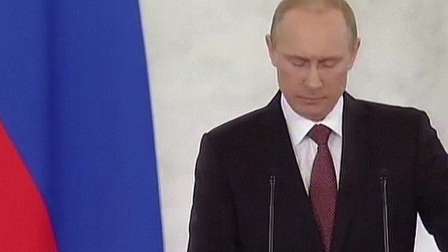 Crimea makes Putin more popular