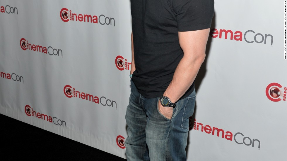 Mark Wahlberg beefs back up after losing a tremendous amount of weight for a movie role
