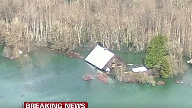 Race to save lives in Washington landslide