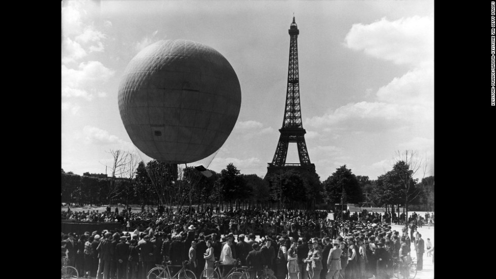 Crowds gather in 1939 to celebrate the 50th anniversary of the Eiffel Tower.