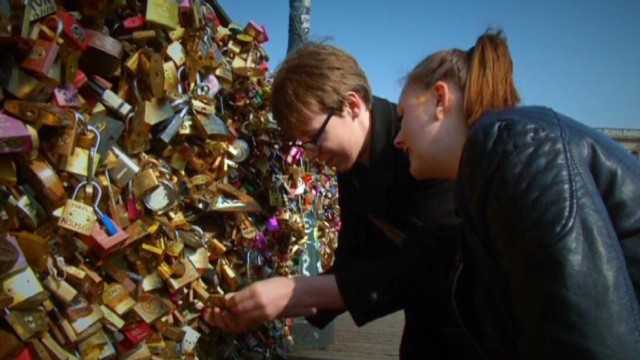Some not in love with Paris' padlocks