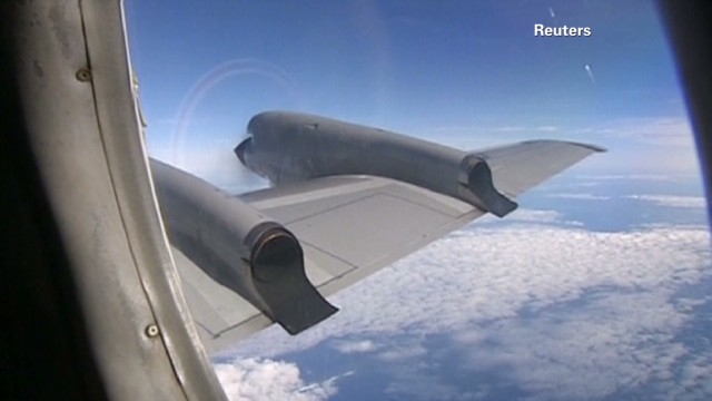 Planes spot possible debris in new search