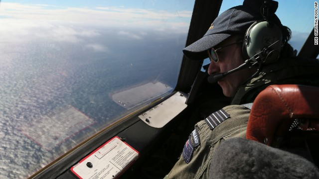 MH370 flight pinger locator explained