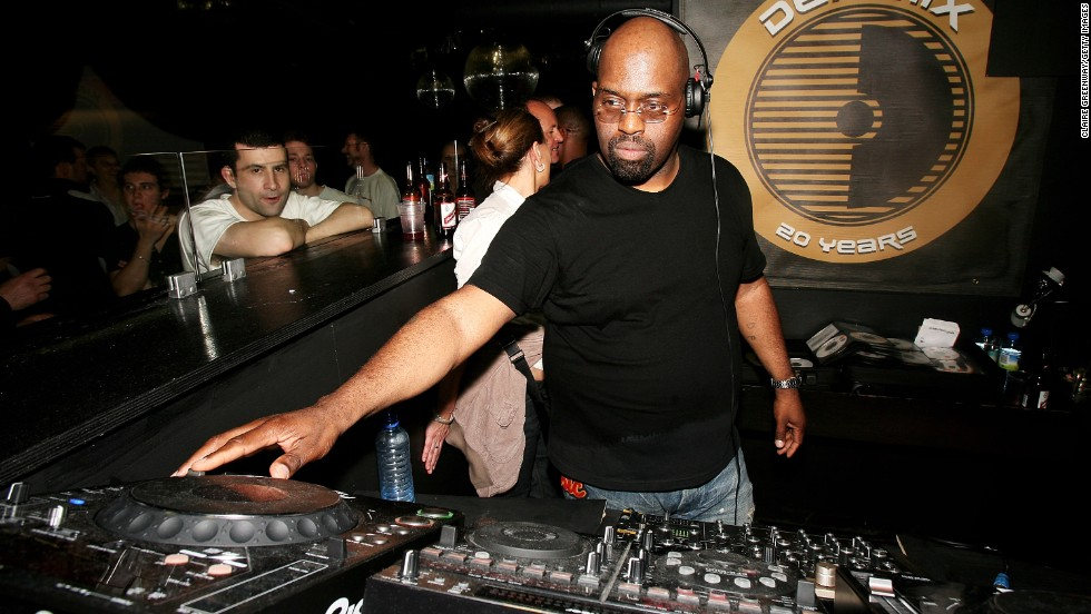 "<a href=""http://www.cnn.com/2014/04/03/showbiz/frankie-knuckles-obit/index.html"" target=""_blank"">DJ Frankie Knuckles</a>, a legendary producer, remixer and house music pioneer, died March 31 at the age of 59."