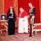 02 queen meets pope RESTRICTED