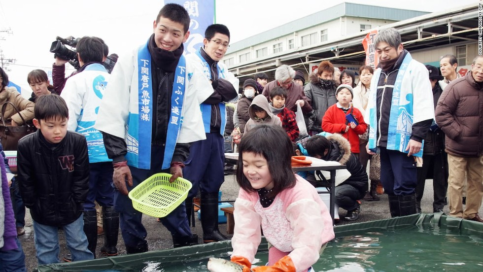 "Never has a more adorable attempt been made to catch a slippery fugu with rubber-gloved hands. Held each February, Shimonoseki's Fugu Festival is a celebration of all things related to the revered delicacy. Events include cooking classes, a ""Super Jumbo Fuku Nabe"" hotpot and food giveaways."