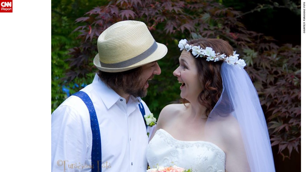 In 2005, Stanton first met Ryan Laundry while pursuing her degree in psychology but moved to Pennsylvania two years later for a Ph.D. program. When she came back to Seattle, she reconnected with Laundry, who encouraged her to follow a low-sugar diet. At the wedding in June 2012, Stanton weighed 157 pounds.