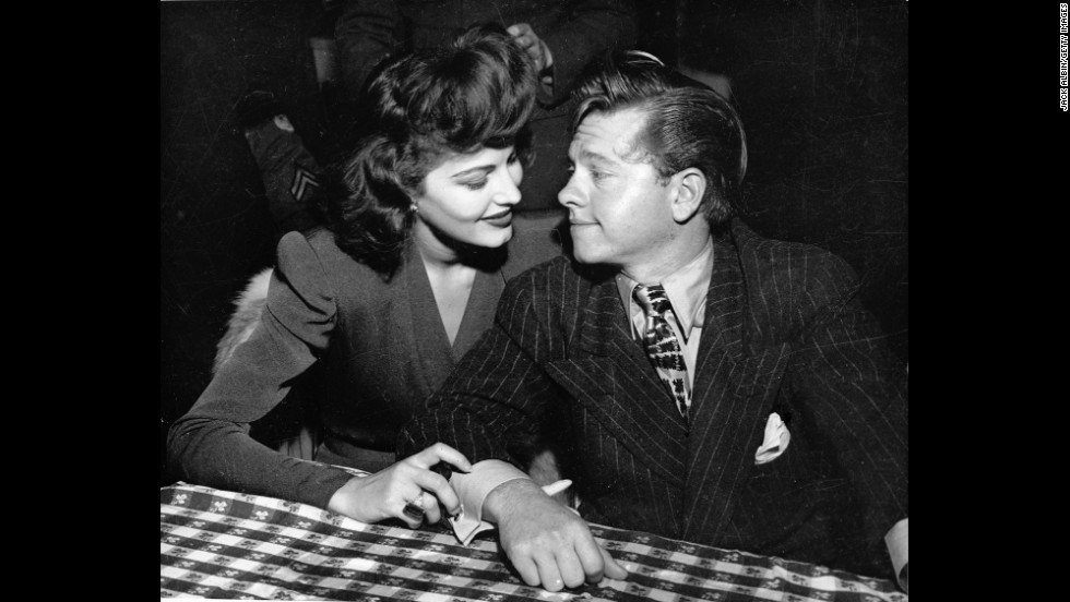Rooney and his first wife, American actress Ava Gardner, in the early 1940s.