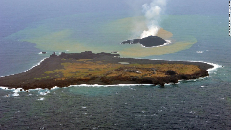 Niijima is seen behind Nishinoshima on November 26, 2013.