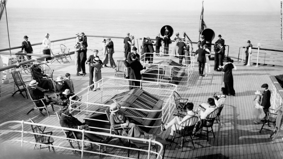 Wealthy passengers aboard a ship near San Francisco, circa 1910s. In this era, the top earners accounted for roughly 18% of the national income.