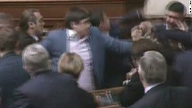 idesk ukraine parliament fight_00003424.jpg