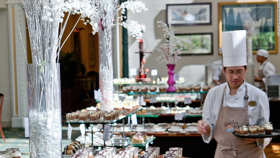 With more than 85 desserts, no chocolate desire is left unsatisfied at Café Fleuri's all-you-can-eat Chocolate Bar put on each Saturday. Your loosest pair of sweatpants are necessary for this chocolate marathon.