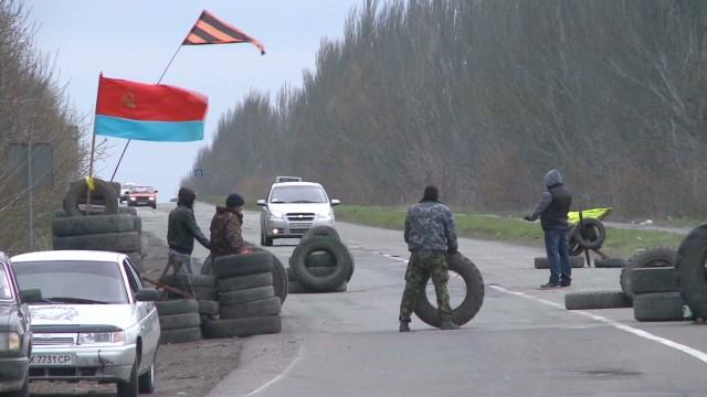 Pro-Russian gunmen seize building