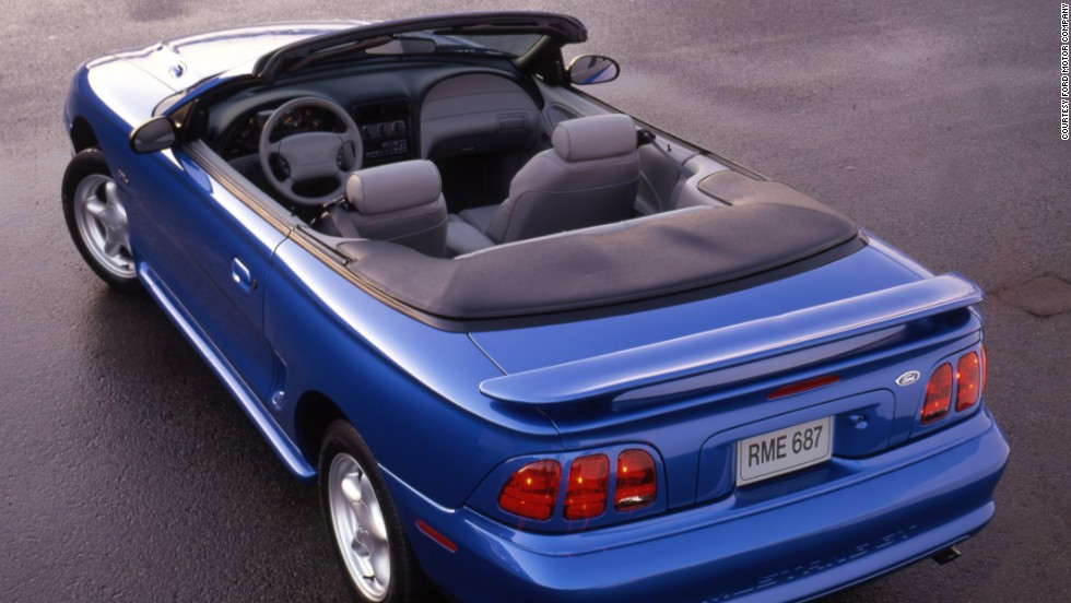 <strong>1998 Ford Mustang GT convertible. </strong>The Mustang's 4.6-liter V-8 got a horsepower boost to 225.