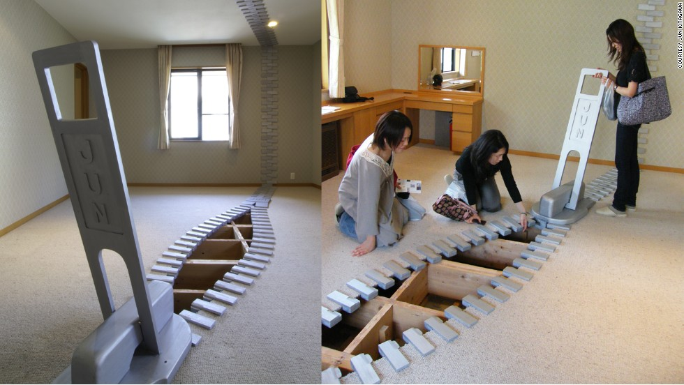 Ever wanted to zip open your house and see what's under the floor? Kitagawa installed zippers in a Tokyo apartment set for demolition. The zipper is made of wood and doesn't actually close the floors.