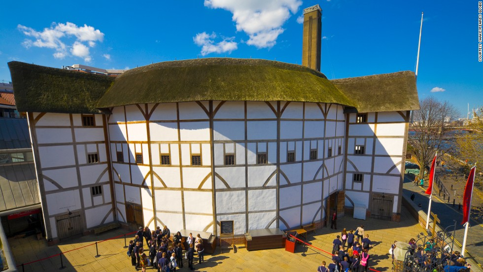 The replica is almost identical in appearance to the original Globe theater built in 1599, but destroyed by fire in 1613. Additions include sprinklers on the roof and a concrete theater pit.