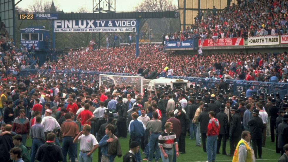 96 penyokong Liverpool terkorban ketika perlawanan Piala FA menentang Nottingham Forest di Stadium Hillsborough, Sheffield pada 15 April 1989.
