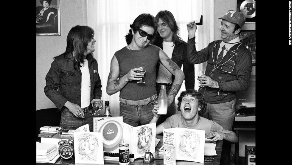 The band hangs out with their manager Michael Browning, right, in 1976.
