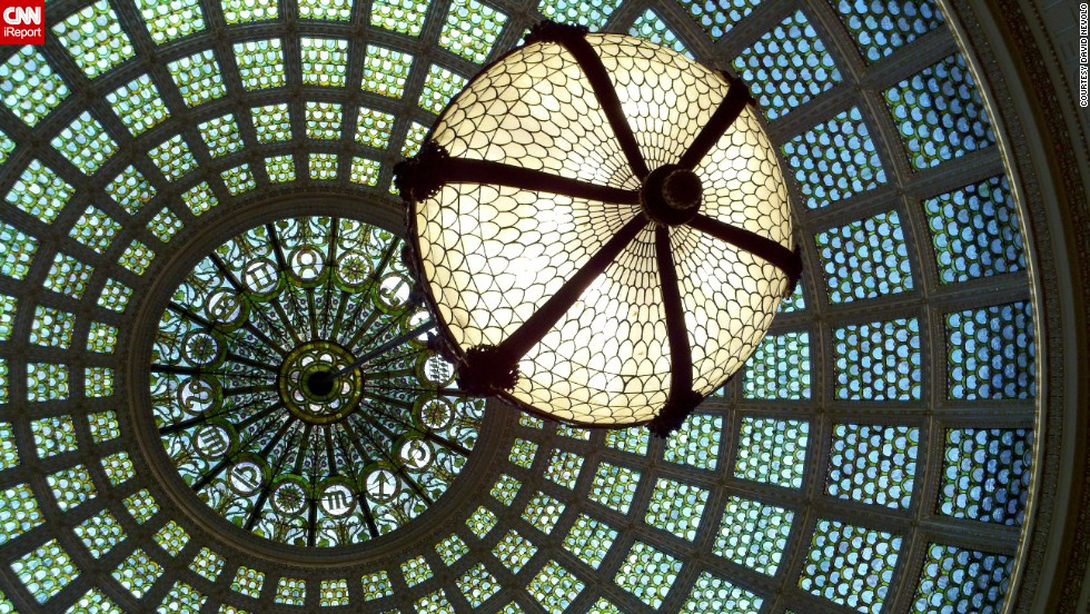 "The <a href=""http://www.cityofchicago.org/city/en/depts/dca/supp_info/chicago_culturalcenter-generalinformation.html"" target=""_blank"">Chicago Cultural Center</a> is home to the world's largest stained glass Tiffany dome; there are 30,000 pieces of glass covering the dome's 38-foot diameter."
