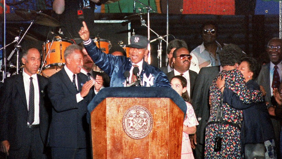 Nelson Mandela declared himself a New York Yankees fan during a concert and rally at Yankee Stadium on June 21, 1990 -- just months after his release from prison.