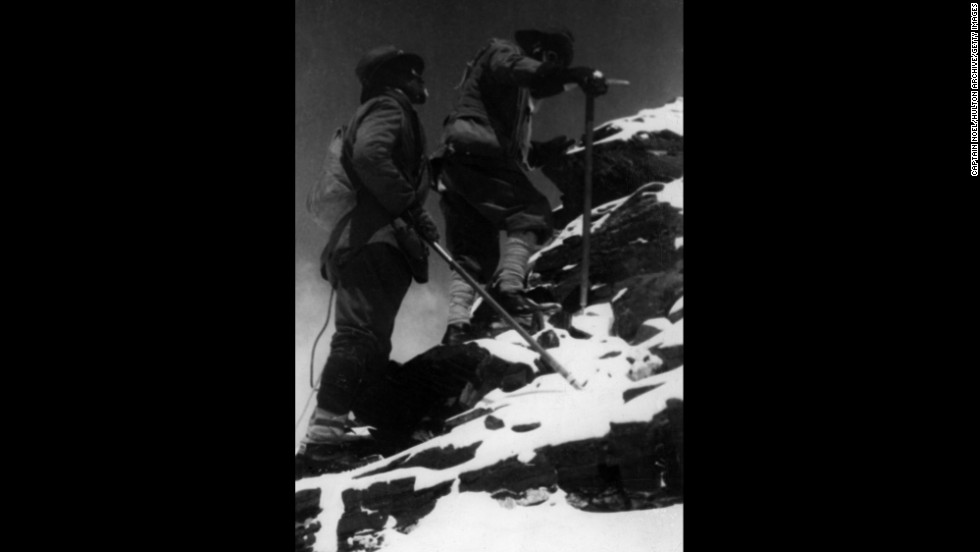 George Mallory and Edward Felix Norton reach 27,000 feet on the northeast ridge of Everest in 1922. They failed to reach the summit.
