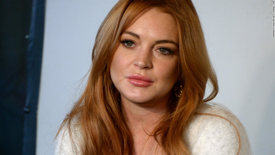 Lindsay Lohan Tries On New Brand For Refugees
