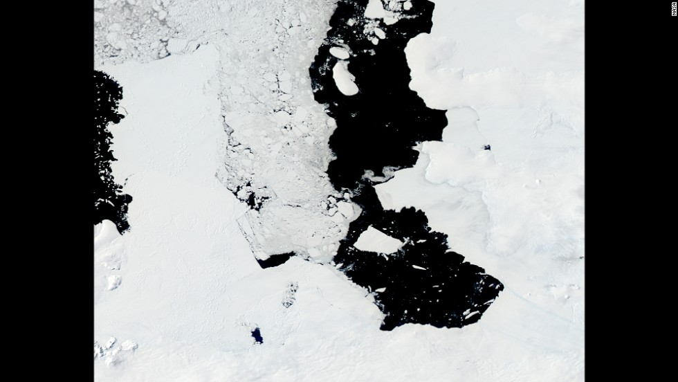 By December 2013, the iceberg had begun to move into Pine Island Bay.