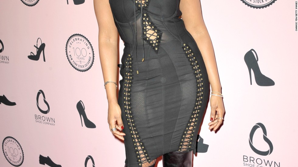 Jennifer Hudson wears a pair of slinky boots to Brown Shoe Company's 100th anniversary celebration on April 23.