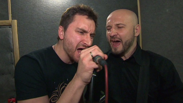 Band tries to unite Ukraine with song