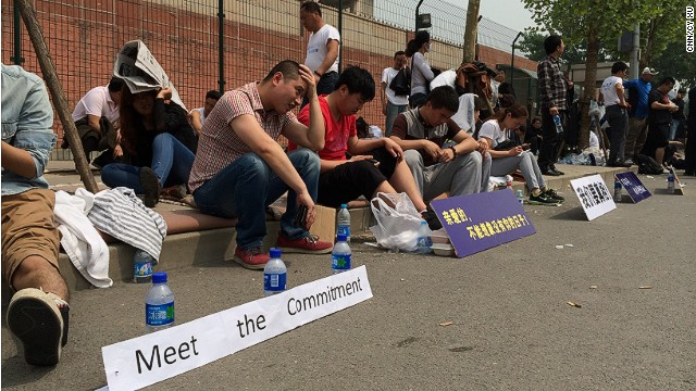 MH370 families protest outside embassy