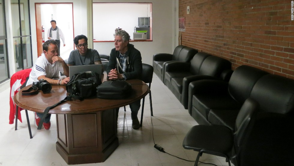 Bourdain meets with a photojournalist who documents Mexico City's struggle with violent crime.