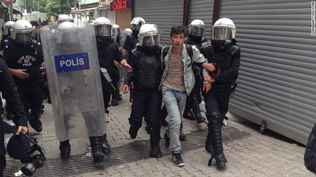 Turkish forces clash with protesters