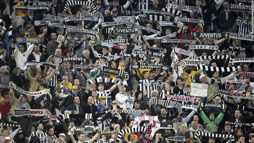 Juve's fans were in full voice before their Europa League semifinal with Benfica, the Italian side trailing 2-1 from the first leg.