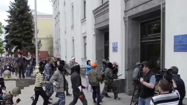 Civil war looming in Ukraine?