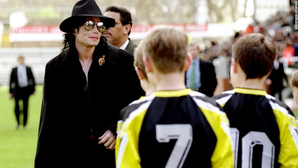 Jackson was one of Fulham Football Club's celebrity fans. In this photograph, he arrives to watch a match between Fulham and Wigan Athletic in 1999.