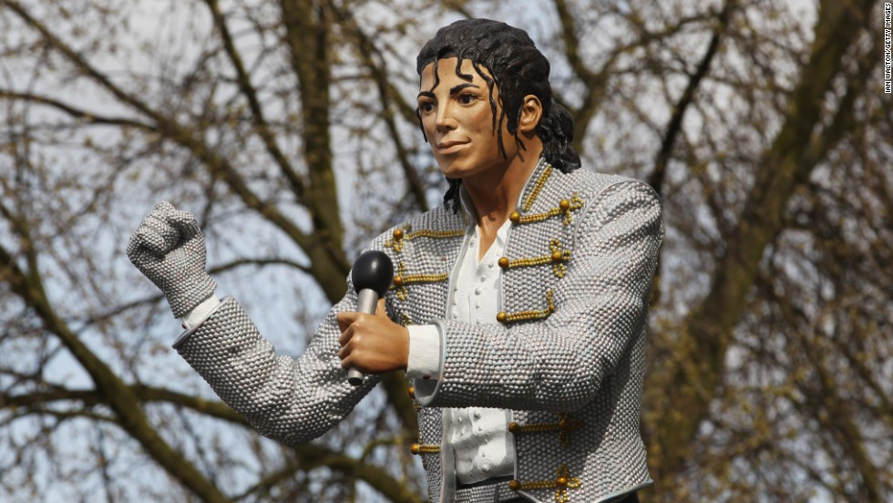 The giant Jackson statue split opinion among the club's fans and when American billionaire Shahid Khan bought the club in 2013 he had it removed.
