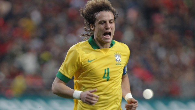 Chelsea have agreed to sell David Luiz to Paris Saint Germain.