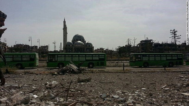 Bus arrives early morning to evacuate rebels from the old city of Homs