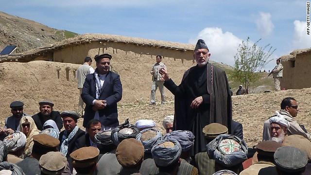 Afghan President visits landslide area