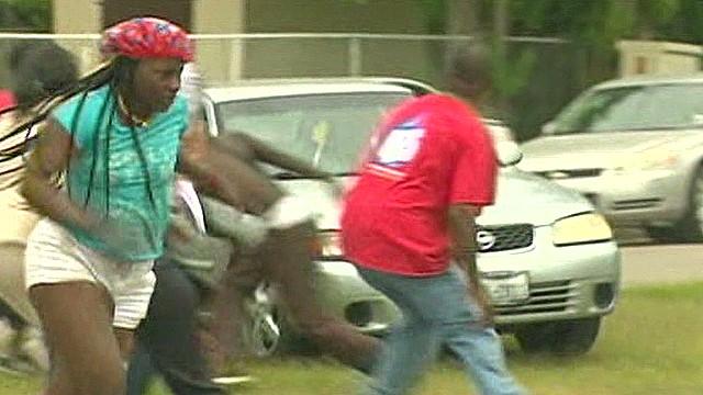 dnt man plows through crowd crime scene_00000325.jpg