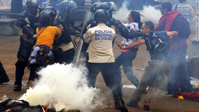 Venezuela cracks down on protesters