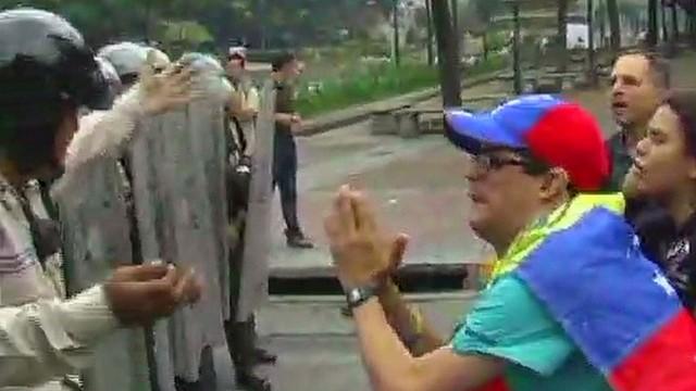 Venezuela cracks down on protesters