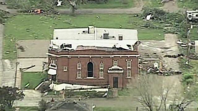 Storm damages Missouri town