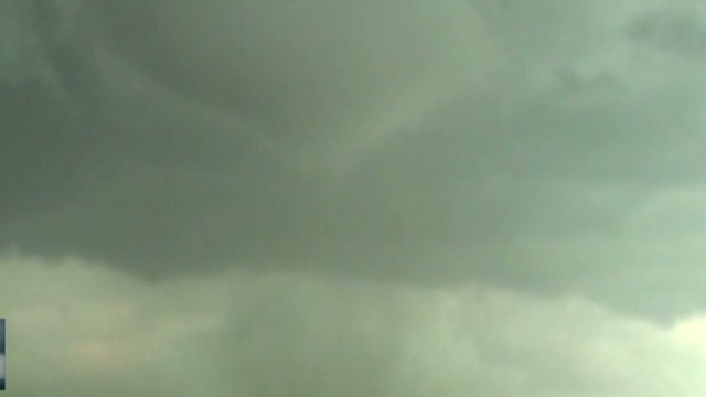Storm chaser catches massive tornado